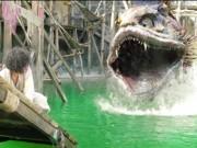 """Chết cười với màn bắt thủy quái vừa rùng rợn vừa hài """"té ghế"""""""