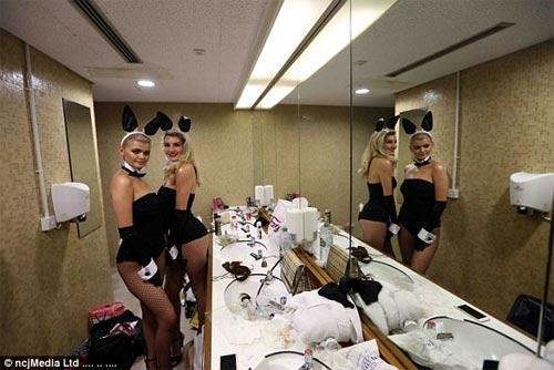 Cuộc thi hoa hậu bị la ó vì thí sinh ăn mặc thiếu nghiêm túc - 2
