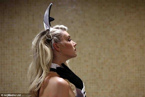 Cuộc thi hoa hậu bị la ó vì thí sinh ăn mặc thiếu nghiêm túc - 3