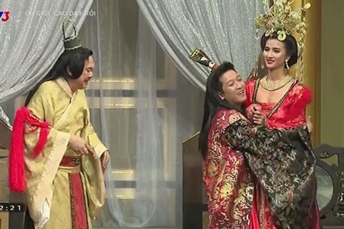 Chết cười biểu cảm của Quang Hà, Trường Giang khi kề cận mỹ nữ trễ nải - 5