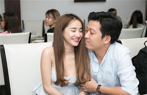 Chết cười biểu cảm của Quang Hà, Trường Giang khi kề cận mỹ nữ trễ nải - 6