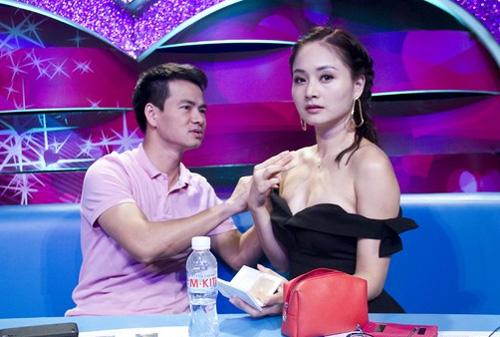 Chết cười biểu cảm của Quang Hà, Trường Giang khi kề cận mỹ nữ trễ nải - 12