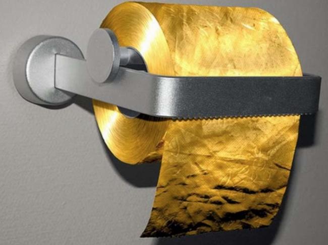 Chuyện khó tin: Cuộn giấy vệ sinh giá hơn 35 tỷ, đắt nhất Hệ Mặt trời - 1