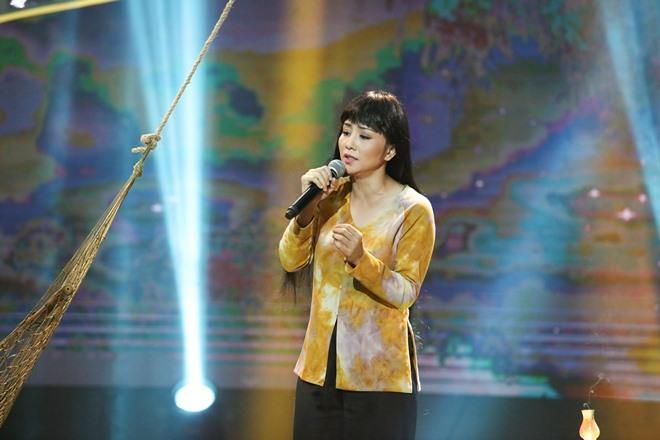 """""""Nữ hoàng Wushu"""" Thúy Hiền hát ru khiến Việt Hương sửng sốt - 1"""