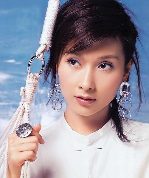 Hoa hậu Hồng Kông ê chề vì bị vợ đại gia túm tóc đánh ghen - 2