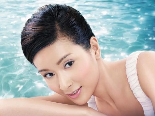 Hoa hậu Hồng Kông ê chề vì bị vợ đại gia túm tóc đánh ghen - 10