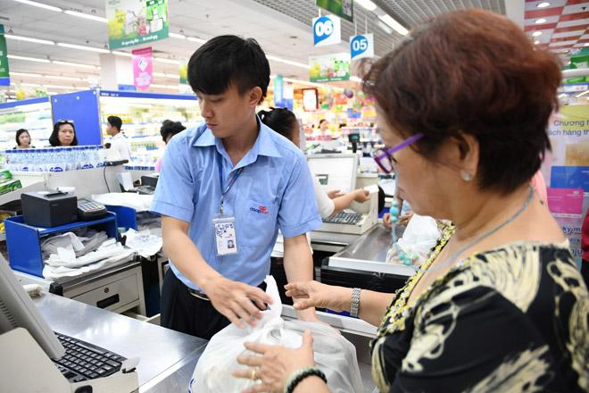 """Đi siêu thị Co.opmart mua """"sữa xanh, mỹ phẩm xanh"""" giảm giá - 1"""