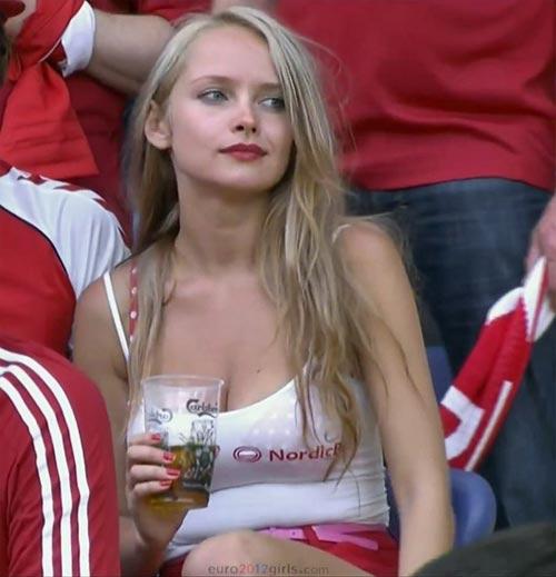 """Cô gái khiến đàn ông châu Âu """"đảo điên"""" trông sẽ thế nào? - 4"""