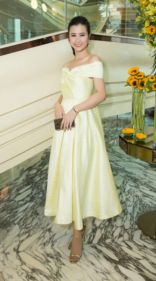 Hoa hậu Kỳ Duyên vàng chói mắt, đọ sắc Mỹ Linh, Diễm My - 10