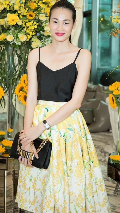 Hoa hậu Kỳ Duyên vàng chói mắt, đọ sắc Mỹ Linh, Diễm My - 14