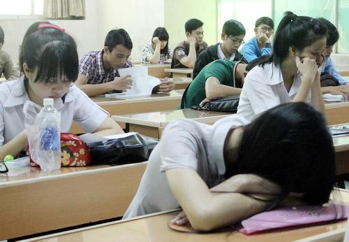 Dừng học để tránh stress trước ngày thi THPT quốc gia - 1