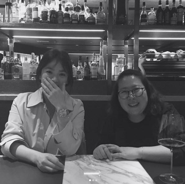 Song Hye Kyo nói về tin hẹn hò qua đêm với phi công trẻ - 5
