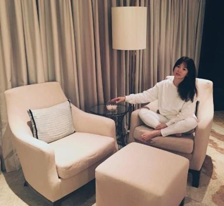 Song Hye Kyo nói về tin hẹn hò qua đêm với phi công trẻ - 4