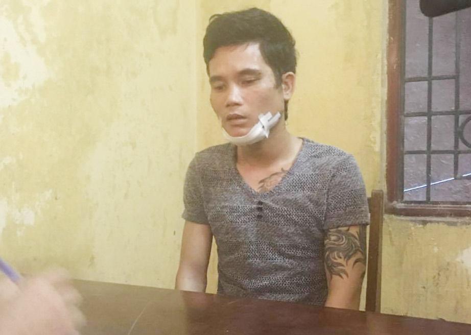 Đi dự sinh nhật, nam thanh niên bị đâm gục trước quán bar - 1