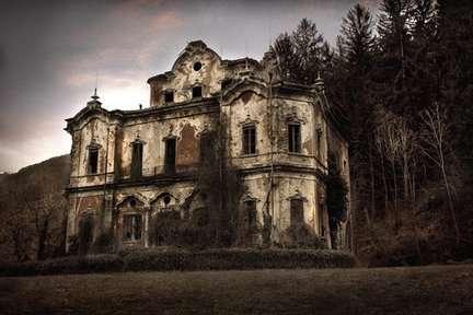 Câu chuyện đau lòng đằng sau biệt thự xinh đẹp bị bỏ hoang ở Ý - 11