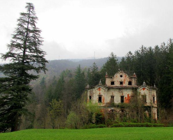 Câu chuyện đau lòng đằng sau biệt thự xinh đẹp bị bỏ hoang ở Ý - 12