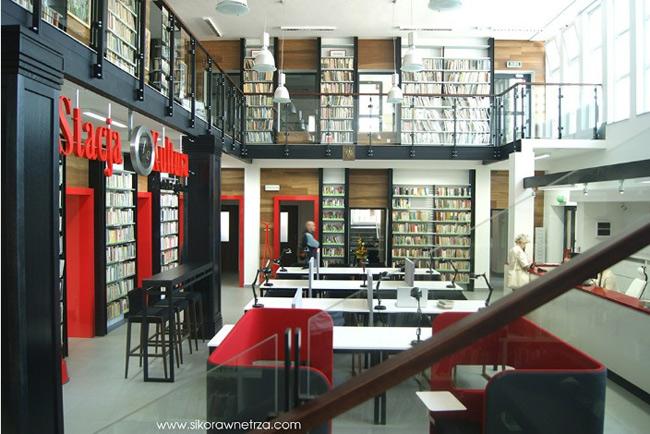 1. Thư viện, trung tâm văn hóa Stacja 'Kultura' tại Ga tàu Rumia. Không gian thiết kế với tông màu chủ đạo đỏ - đen làm nổi bật nét trang nhã, ấm cúng của các đầu máy cũ được tôn tạo lại, chia thành các khu vực thư viện, phòng trưng bày nghệ thuật và điêu khắc, góc dành cho trẻ em, bàn làm việc có sẵn máy tính, phòng hội thảo,… Điểm đặc biệt là bất cứ ai cũng có thể lựa chọn 1 quyển sách để đọc trong thời gian đợi tàu.