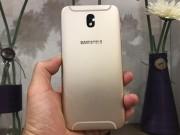 Dế sắp ra lò - Đánh giá Galaxy J7 Pro: Thiết kế lạ mà sang, giá mềm