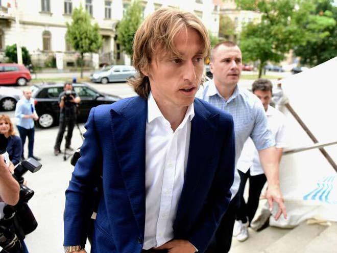 Sốc: Sau Ronaldo trốn thuế, Modric đối mặt 5 năm tù - 1
