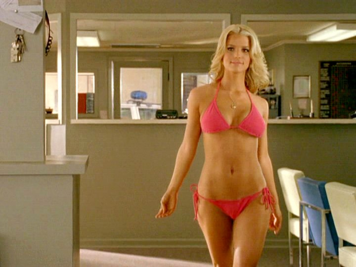 """Khán giả chết """"đứ đừ"""" vì những cảnh bikini quá gợi cảm trên màn ảnh - 11"""