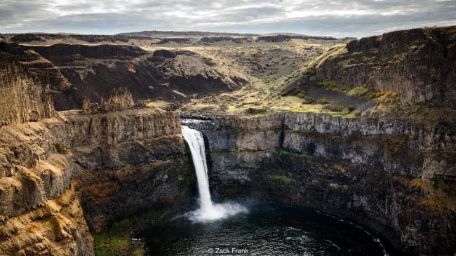 Khám phá thác nước lớn nhất từng tồn tại trên Trái đất - 7