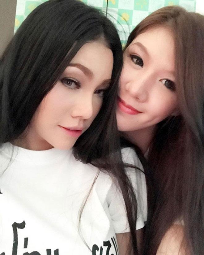 Chuyện tình đồng tính của cặp đôi sexy nhất Thái Lan - 3