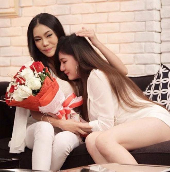 Chuyện tình đồng tính của cặp đôi sexy nhất Thái Lan - 7