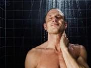 Sức khỏe đời sống - Tắm ngay khi uống rượu, tác hại không ngờ