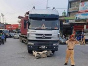 Tin tức trong ngày - Hải Dương: Nữ trung uý công an phường bị container đâm tử vong