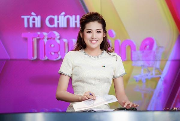 """""""Bạn gái Noo Phước Thịnh"""" dẫn đầu top 5 MC gợi cảm nhất VTV - 1"""