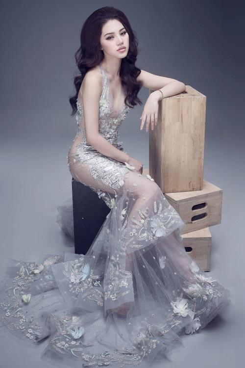 """Hoa hậu Việt sở hữu """"số đo vàng"""" mặc trong suốt đến ngỡ ngàng - 3"""