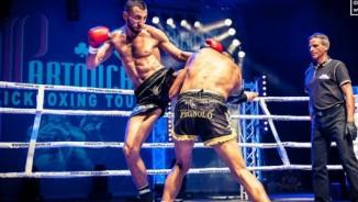 Võ sĩ MMA mạnh vô song: 1 ngày thắng 3 trận, 2 lần knock-out