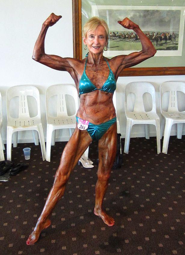 """Cụ bà 74 tuổi """"mình đồng da sắt"""" hừng hực đi thi thể hình - 7"""