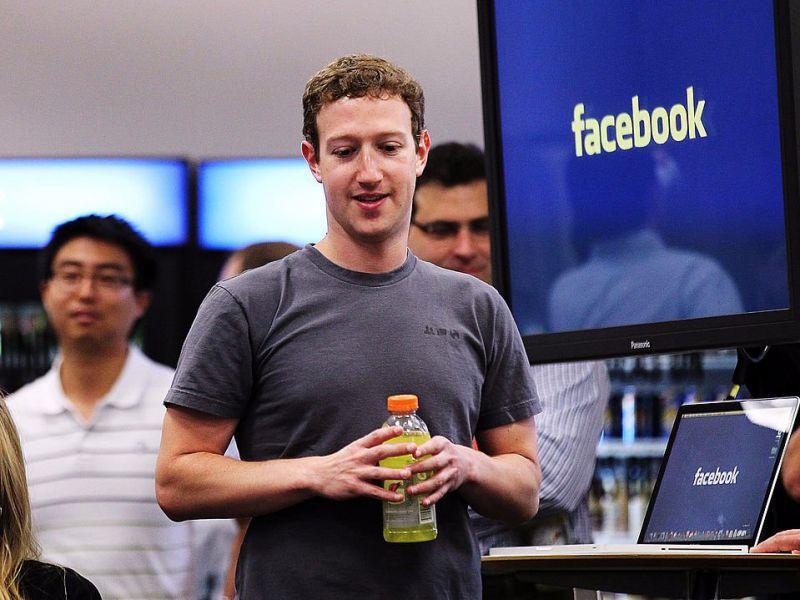 Một ngày bình thường của ông chủ Facebook có gì đặc biệt? - 7
