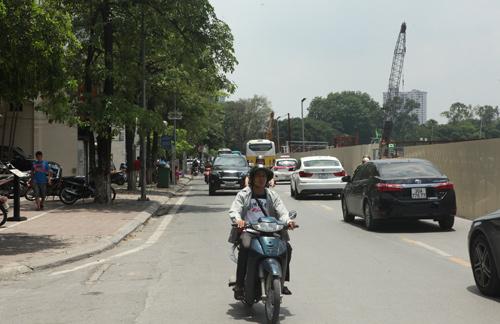 Những tuyến đường HN bị chặt cây xanh: Ngày ấy - Bây giờ - 8