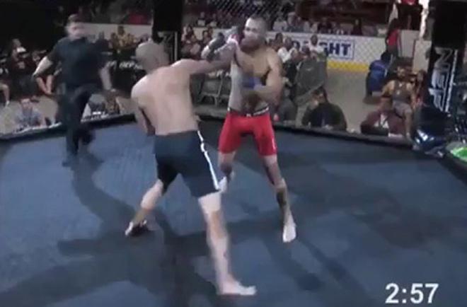 """MMA số 1 năm: """"McGregor đệ nhị"""" 4 giây làm lên lịch sử - 1"""