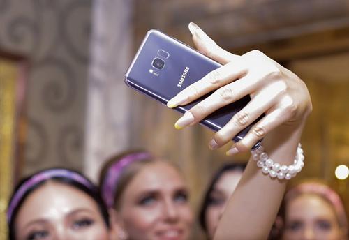 Lộ ảnh Samsung Galaxy S8+ màu Tím khói siêu đẹp - 3