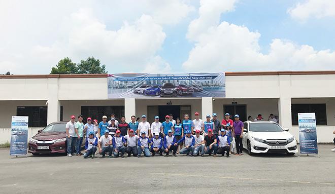 Honda tuyên dương các đại lý xuất sắc về LXAT tháng 6 - 3