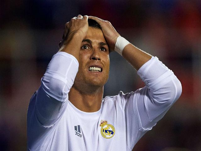Ronaldo bị tố trốn thuế: