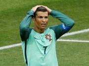 """Ronaldo """"trốn"""" phóng viên, nguyện đóng thuế ở lại Real"""