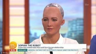 Anh: Robot nữ lên TV nói năng, đối đáp như người thật