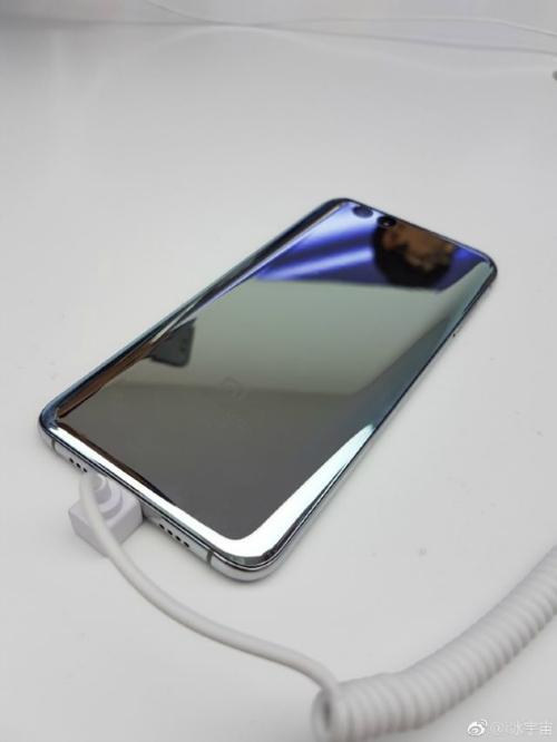 """Lóa mắt phiên bản Xiaomi Mi 6 màu bạc chưa từng được """"lên kệ"""" - 2"""