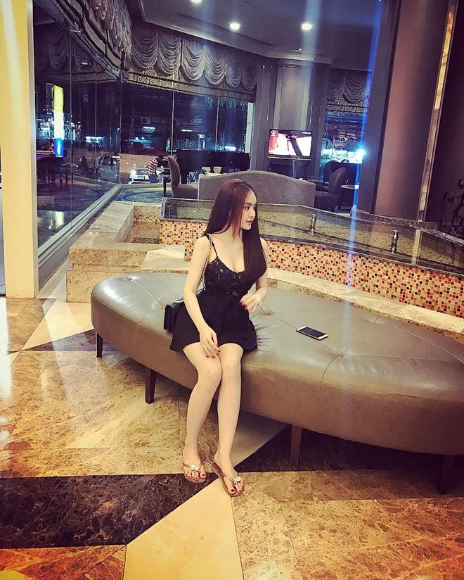 Em gái Angela Phương Trinh mặc bikini đẹp không thua chị - 10