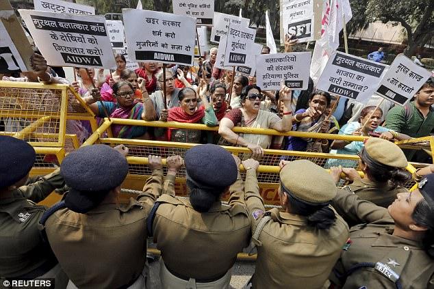 Ấn Độ: Cảnh sát gạ gẫm đòi quan hệ với nạn nhân hiếp dâm - 1
