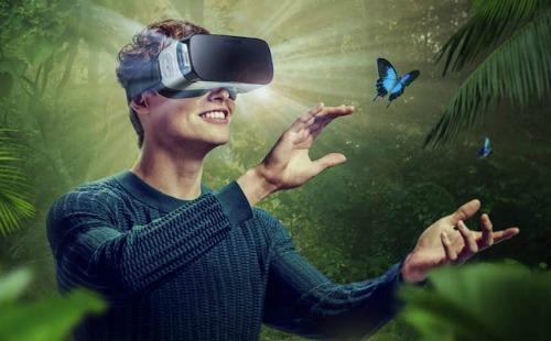 Samsung đang phát triển kính thực tế ảo Gear VR siêu phân giải - 1