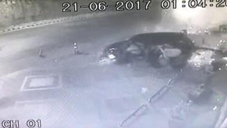 """Tử vong vì đang """"yêu"""" trong ô tô thì bị tai nạn giao thông"""