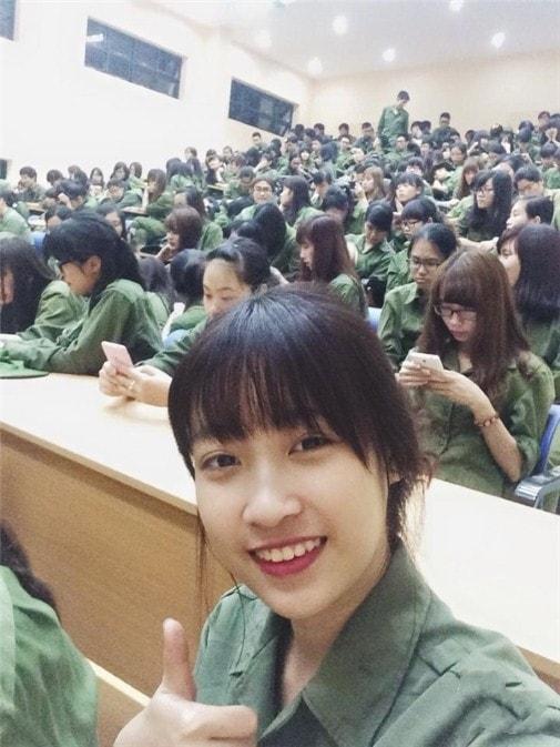 Bóc mẽ nhan sắc Hoàng Thùy Linh, Kỳ Duyên thời sinh viên học quân sự - 5
