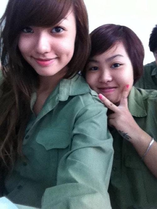 Bóc mẽ nhan sắc Hoàng Thùy Linh, Kỳ Duyên thời sinh viên học quân sự - 11