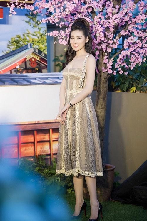 """""""Bạn gái Noo Phước Thịnh"""" đọ sắc """"nàng dâu Sống chung với mẹ chồng"""" - 4"""