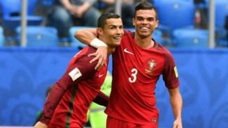 "Ronaldo tỏa sáng cho Bồ Đào Nha, sắp bắt kịp ""Vua"" Pele"